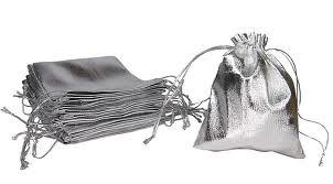 sacchettini in tessuto colore argento